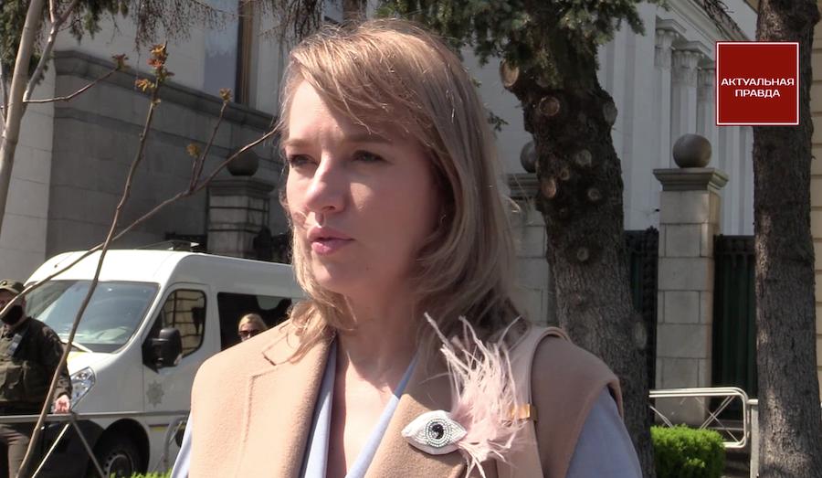 Елена Шуляк: Огромное количество застройщиков привыкли, что сначала строятся без всяких документов, а затем идут в ГАСИ и покупают все разрешительные документы