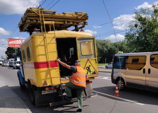 У Львові велосипедист ледь не позбувся голови