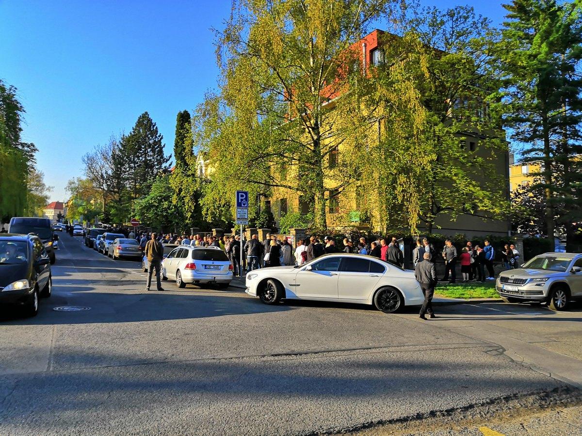 Прага выборы президента Украины