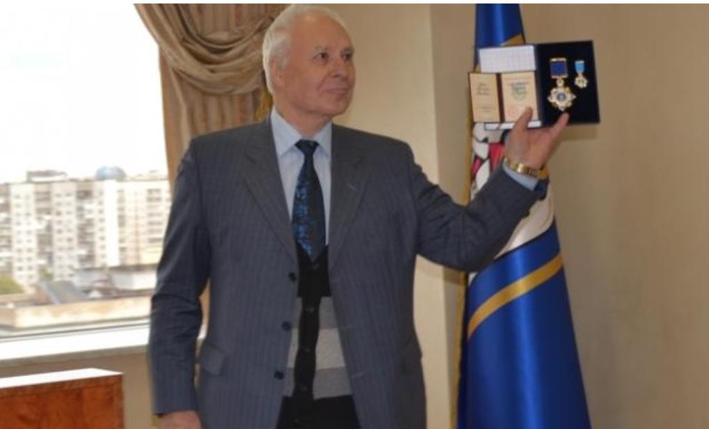 суддя Подільського районного суду міста Києва – Юрій Григорович Зубець.